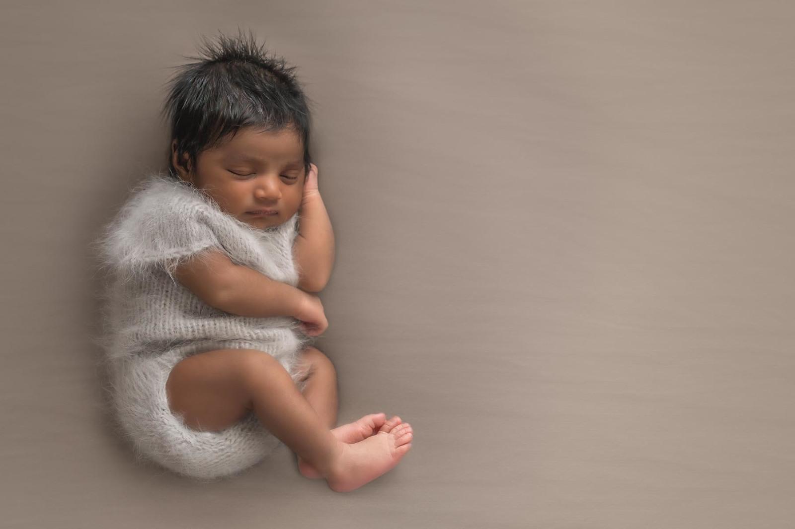 adorable newborn photograph, Noosa newborn photographer
