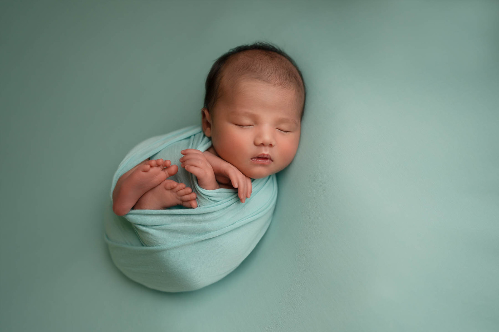 newborn photography, mint wrap